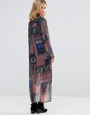 photo Midi Shirt Dress in Scarf Print by Style London, color Blue - Image 2
