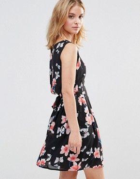 photo Skater Dress in Floral Print by Style London, color Black - Image 2