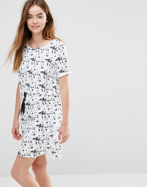 photo Lara Dress with Drawstring Waist by Y.A.S, color White/Black - Image 1