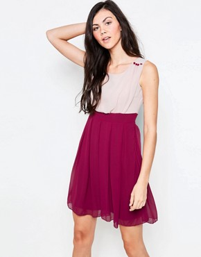 photo Colourblock Skater Dress by Jasmine, color Red - Image 1