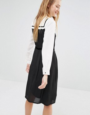 photo Dress with Peter Pan Collar by I Love Friday, color Black - Image 2