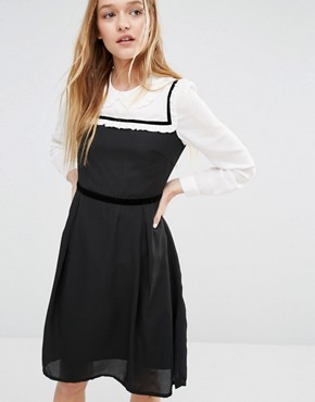 photo Dress with Peter Pan Collar by I Love Friday, color Black - Image 1