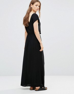 photo T-Shirt Maxi Dress in Black by JDY, color Black - Image 2