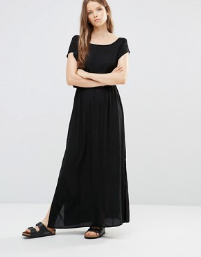photo T-Shirt Maxi Dress in Black by JDY, color Black - Image 1