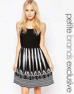 photo Skater Dress with Printed Skirt by Vero Moda Petite, color Black - Image 1