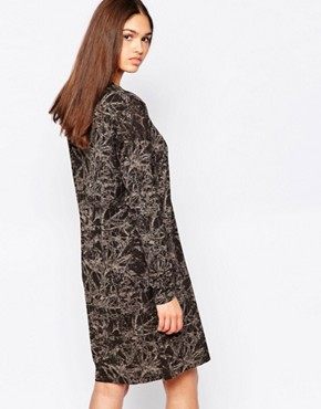 photo Printed Shift Dress by Minimum, color Duffel Green - Image 2