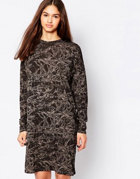photo Printed Shift Dress by Minimum, color Duffel Green - Image 1
