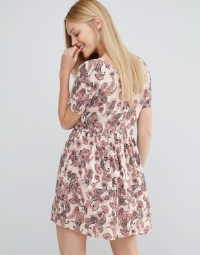 photo Super Easy Skater Dress In Paisley Print by Vero Moda, color Wild Paisley - Image 2