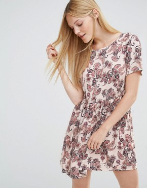 photo Super Easy Skater Dress In Paisley Print by Vero Moda, color Wild Paisley - Image 1