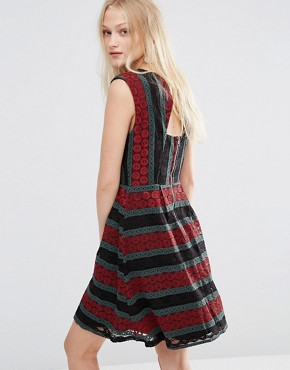 photo Mesh Insert Printed Dress by Hazel, color Burgundy - Image 2