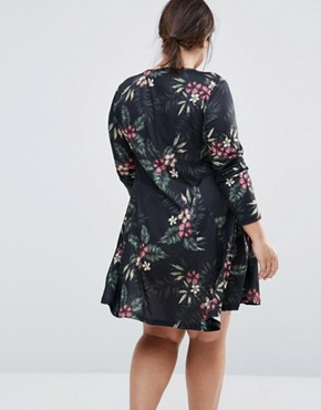 photo Jersey Swing Dress with Keyhole Detail by NVME, color Black Floral - Image 2