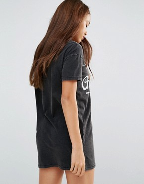 photo Chuck Taylor Archive T-Shirt Dress by Converse, color Black - Image 2