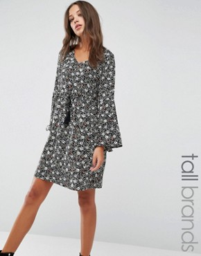 photo Smock Dress with Frill Sleeves by Brave Soul Tall, color Black - Image 1