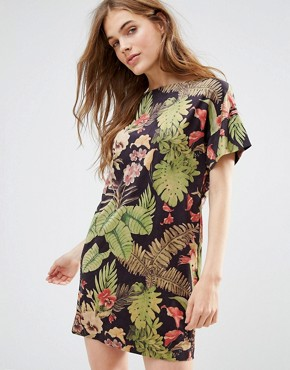photo We Heart Hind Dress In Tropical Print by Traffic People, color Black - Image 1