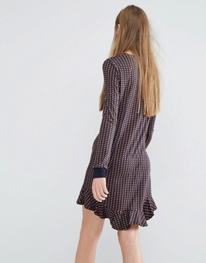 photo Jasmin Jersey Dress with Frill Hem in Geo Print by Baum Und Pferdgarten, color  - Image 2