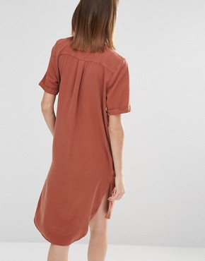 photo Vilo Short Sleeved Shirt Dress by Selected, color Brown - Image 2