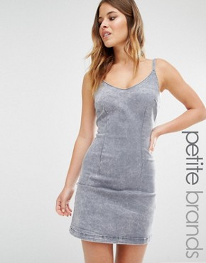 photo Denim Acid Wash Bodycon Dress by New Look Petite, color Grey - Image 1