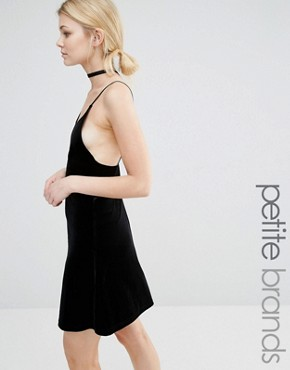 photo Velvet Cami Dress by Vero Moda Petite, color Black - Image 1