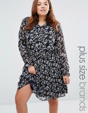 photo Pleated Dress In Floral Print by Yumi Plus, color Black - Image 1