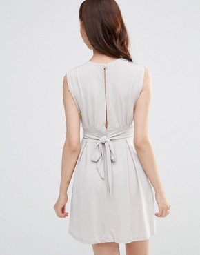 photo Dress with Plunge Neckline by Wal G, color Beige - Image 2