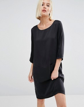 photo Sinca Shift Dress in Sandwashed Silk by Selected, color Black - Image 1
