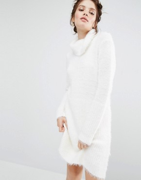 photo Oversized Jumper Dress by Willow and Paige, color Cream - Image 1