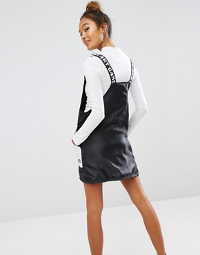 photo Dungaree Dress In Satin with Colour Block by Mini Cream, color Black/White - Image 2