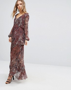 photo Labyrinth Paisley Maxi Dress by The Jetset Diaries, color Labyrinth Paisley - Image 1