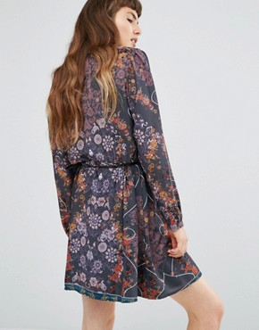 photo Sheer Long Sleeve Dark Floral Dress with Belt by Lavand, color Grey - Image 2