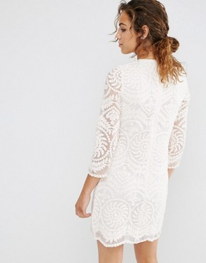 photo 3/4 Sleeve Lace Shift Dress by Darling, color Nude - Image 2