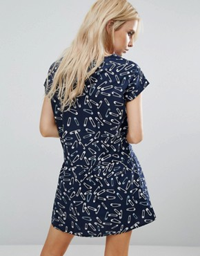 photo Tea Dress In Safety Pin Print by Noisy May Petite, color Navy - Image 2