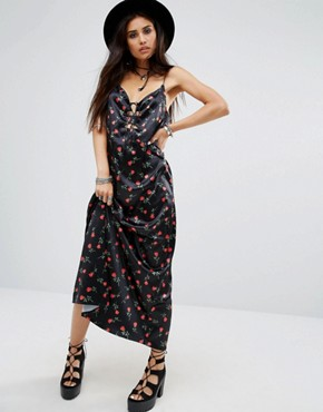 photo Athur Maxi Cami Overlay Slip Dress In Floral Print by Motel, color Black - Image 1