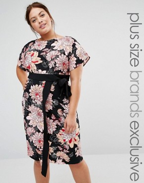 photo Floral Printed Wrap Dress with Contrast Tie Detail by Closet London Plus, color Black - Image 1