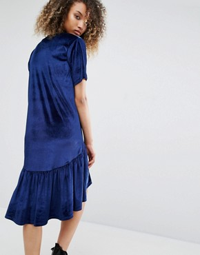 photo Vintage Oversized T-Shirt Dress with Frill Hem In Velvet by Milk It, color Deep Blue - Image 2