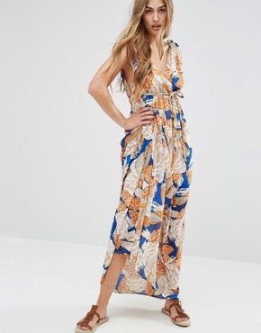photo Maxi Dress In 70'S Print by Traffic People - Image 1