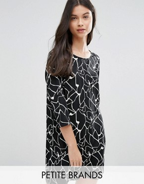 photo Shift Dress In Abstract Print by Vero Moda Petite, color Black/White - Image 1