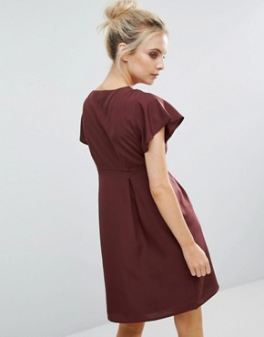 photo Emma Dress with Ruffle Sleeves by Vero Moda Petite, color Decadent Chocolate - Image 2