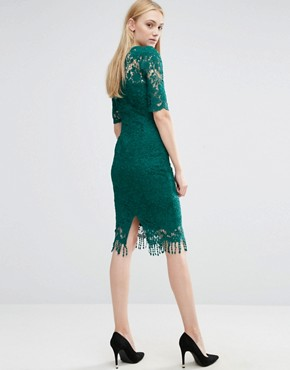 photo All Over Lace Dress with Contrast Lining and Tassel Hem by Paper Dolls Tall, color Emerald - Image 2
