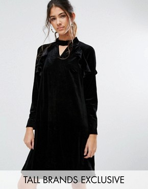 photo Frill Long Sleeve Velvet Shift Dress by True Decadence Tall, color Black - Image 1