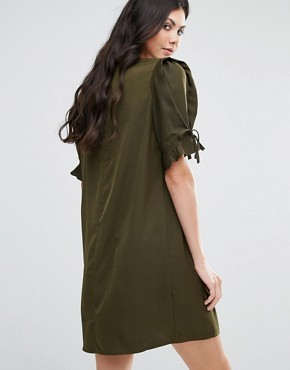 photo Shift Dress with Tie Sleeve Detail by Fashion Union Tall, color Khaki - Image 2