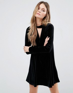 photo Swing Dress With Choker Detail by Glamorous, color Black - Image 1
