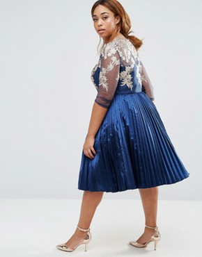 photo Pleated Midi Dress with Lace Bodice by Chi Chi London Plus, color Navy - Image 2