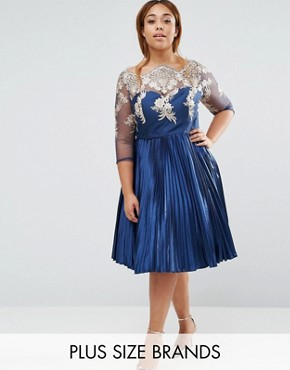 photo Pleated Midi Dress with Lace Bodice by Chi Chi London Plus, color Navy - Image 1