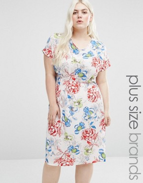 photo Shift Dress with Side Splits In Rose Print by Koko Plus, color White - Image 1
