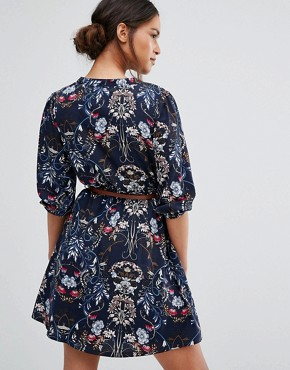 photo Belted Dress In Floral Print by Yumi Petite, color Navy - Image 2
