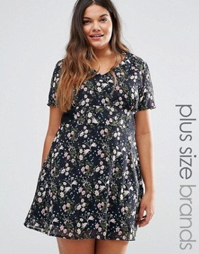 photo Tea Dress with Lace Insert by Yumi Plus, color Black - Image 1