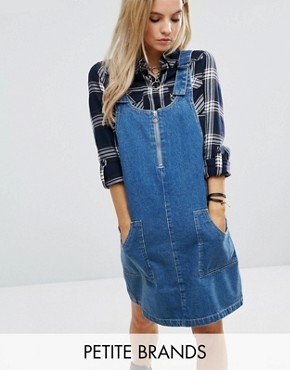 photo Denim Dungaree Dress with D-Ring Detail by Noisy May Petite, color Mid Wash - Image 1