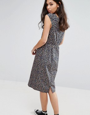 photo Peace Out Pom Pom Trim Dress by Trollied Dolly, color Navy Floral - Image 2