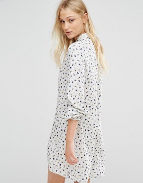 photo Ditsy Print Smock Dress by New Lily, color White - Image 2