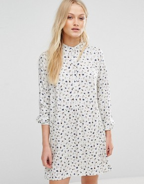 photo Ditsy Print Smock Dress by New Lily, color White - Image 1